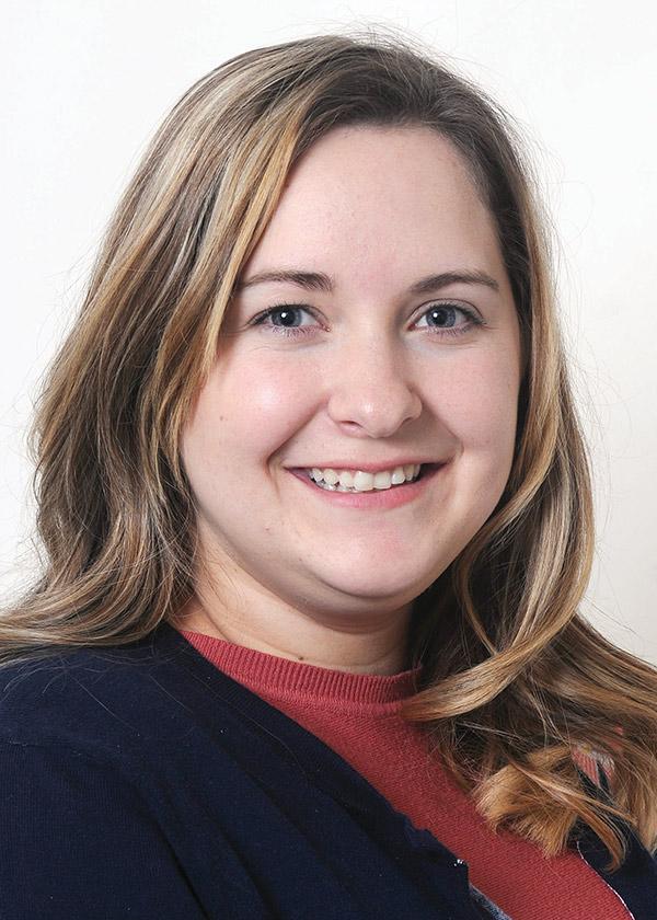 Chloe Langston : Marketing Consultant